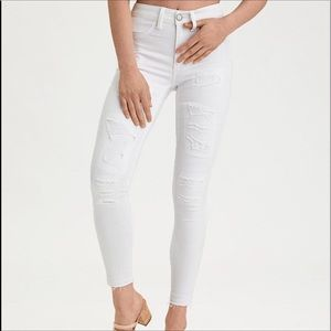 AEO 16 TomGirl Distressed White BUTTON-Fly $69 new